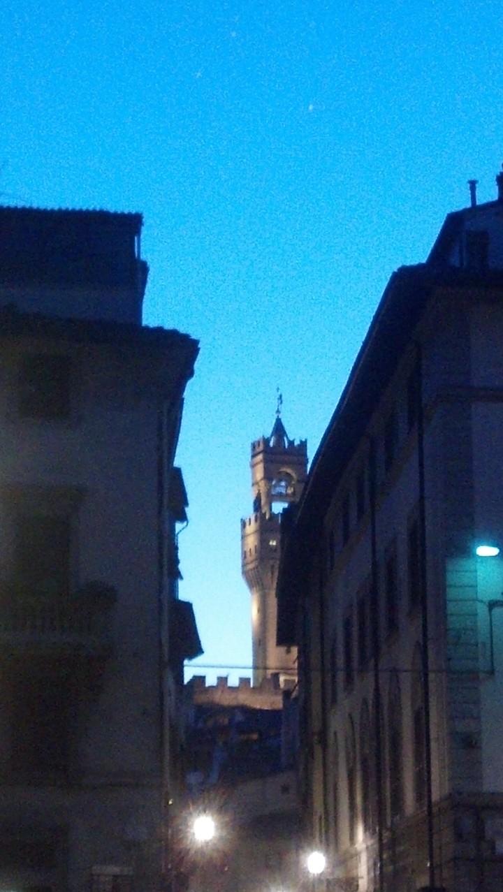 florence-tower-night-img_20140627_212753_104