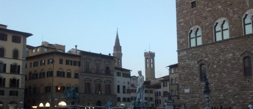 Piazza Sig at dusk crppd
