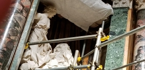 close scaffold