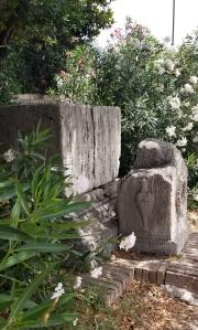 monument2