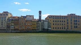Lungarno before Santa Trinita